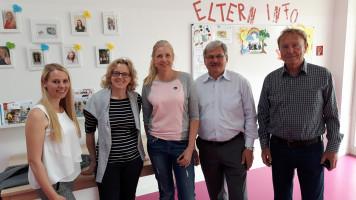 """Natascha Kohnen in der AWO-Kinderkrippe """"Lindennest"""" in Großhelfendorf"""