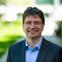 Portraitfoto Florian von Brunn