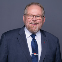 Portraitfoto Klaus Adelt