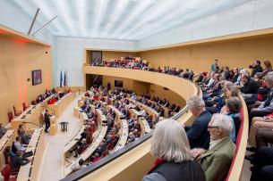 Der Plenarsaal war bis auf den letzten Platz gefüllt