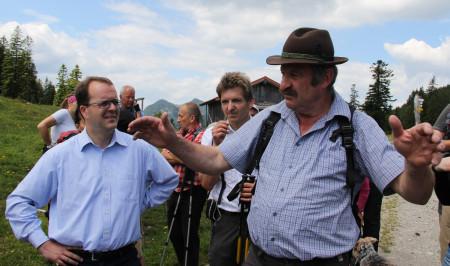 Markus Rinderspacher im Gespräch mit Jachenaus Bürgermeister Georg Riesch