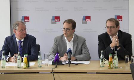 PK Verfassungsklage Volksbefragungsgesetz