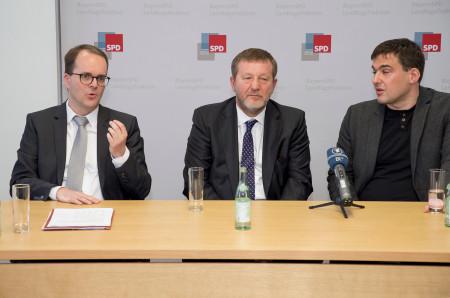 V.l.n.r: Markus Rinderspacher, Alfred Reingoldowitsch Koch mit Dolmetscher