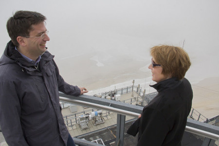 Annette Karl und Florian von Brunn am Schneefernerhaus