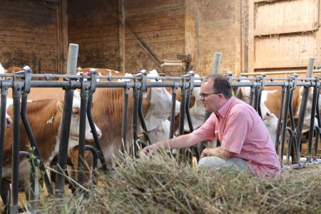 Bauer Rödels Rinder mussten wegen der Hitze im Sommer länger im Stall bleiben.