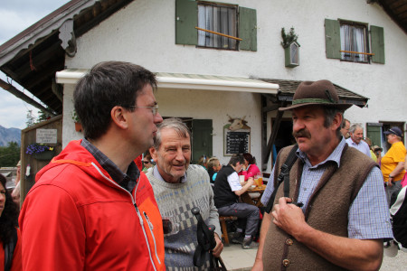 Florian von Brunn mit Jachenaus Bürgermeister Georg Riesch