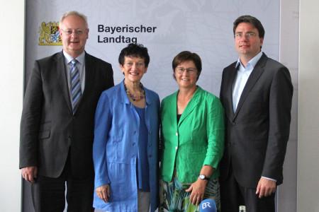 Die Oppositionsvertreter im Bayern-Ei-Untersuchungsausschuss (v.l.: Bernhard Pohl, Inge Aures, Rosi Steinberger, Florian von Brunn