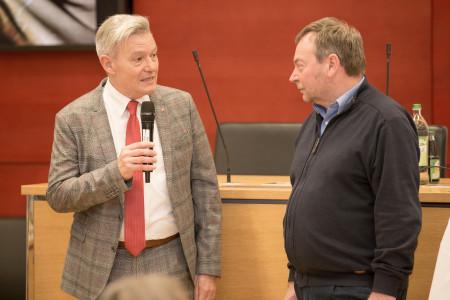 SPD-Fraktionschef Horst Arnold dankt Reisch für seine Arbeit und unterstreicht wie wichtig die Seenotrettung ist