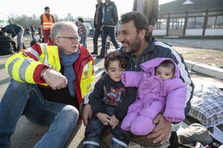 Pfaffmann mit Flüchtlingsvater in Serbien