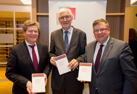 V.l.: Georg Rosenthal, Prof. Dr. Klaus Schönhoven, Volkmar Halbleib