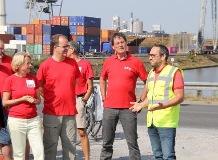 Am Hafen empfängt uns __Stefan Grünewald__ von Bayernhafen, der Gruppe der sechs bayerischen Häfen.