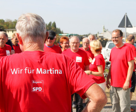 """Markus Rinderspacher war begeistert von der gut gelaunten und hochmotivierten Truppe rund um Martina Fehlner: """"Von Aschaffenburg lernen, heißt Siegen lernen. Martina kämpft mit Herz und Leidenschaft für die eigene Stadt und Region."""""""