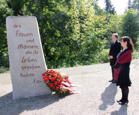 Kranzniederlegung in Flossenbürg