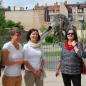 """Angelika Weikert (2.v.r.) und Arif Tasdelen (1.v.r.) beim Familienzentrum """"Mammut"""""""